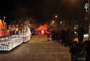 High River residents braved the cold for the Christmas parade (Photo: www.facebook.com/highriver.ca)
